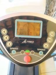 Esteira ergométrica elétrica Treo T101, com velocidade até 16 Km/h e 12 programas, 110V.