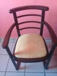 Vende-se cadeira