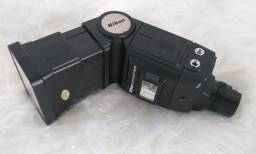 Flash Nikon Speedlight SB 16 eletrônico.