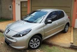 Peugeot 207 1.4 XR 4 Portas Flex - 2012