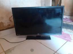 Vendo televisão com tela queimada para tirar peças