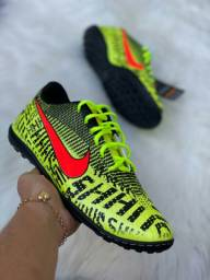 Chuteira Society Nike Neon