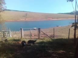 Chácara Pé na Água na Represa de Piracaia / Joanópolis ( aceita Carro )