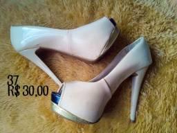Sapatos n° 37