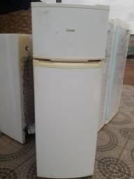 Vendo geladeira cônsul dúplex