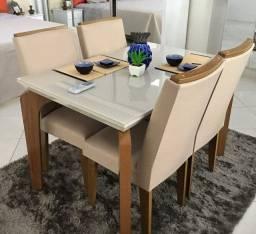 Mesa com 4 Cadeiras e Tampo de Vidro Fabricação Própria!