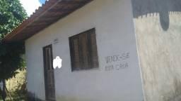 Casa na Vila do Povo, 2quartos, em terreno de 10x30. R$40.000,00