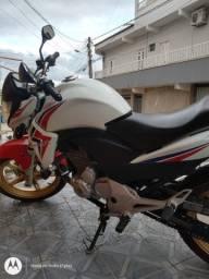 Moto CB 300R