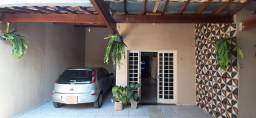 Linda casa colonial 3q; 3bh, 3vgs, bairro Emília - Sete Lagoas