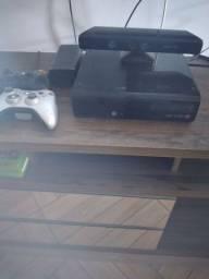 Vendo Xbox 360 com Kinect