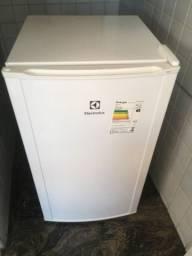 Frigobar Electrolux 120 litros novíssimo
