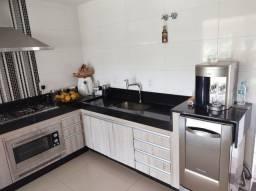 Ótima casa no bairro Valparaiso com 04 quartos em Patos de Minas/MG,
