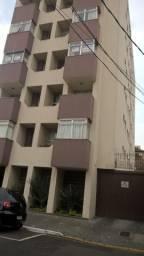 Alugo apt Central 3 quartos fino prédio