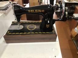 Máquina de costura Reta Elgin com garantia