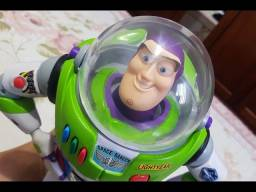 Capacete Boneco Buzz Lightyear Signature Collection toy story