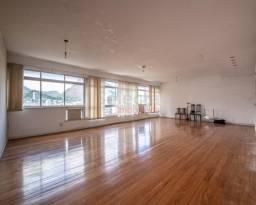 Apartamento de 190 m², em andar bem alto, em frente a Praça Ns. Senhora da Paz, com vista