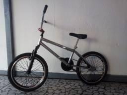 Título do anúncio: Bicicleta infantil estilo BMX