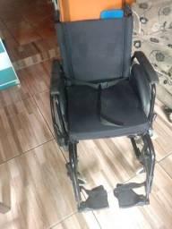 Barbada cadeira de roda semi nova