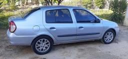 Clio Sedan roça