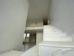 Casa no Condomínio Alphaville - terreno com 600 m2 - 4 suítes