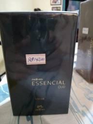Deo Parfum Essencial Oud Masculino c/ 100mL