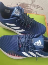 Tênis Adidas boost HD