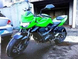 Kawasaki Z750 ABS 2011 baixa KM