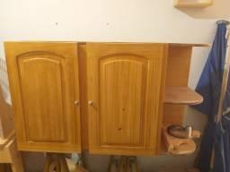 Armario de madeira selecionada.