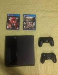 Playstation 4 c/ 2 controles e jogos