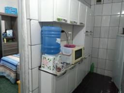 Armário de cozinha novo não tem um arranhão