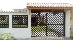 Casa Térrea Ilha Comprida. 100 metros da praia. Acomoda 10 pessoas