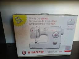 Máquina de costura Singer Fashion 4205