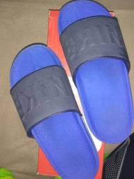 Chinelo Nike novo tamanho 8