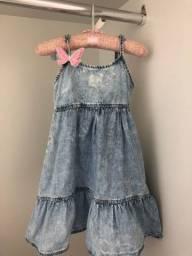 Roupas infantis feminina com maleta