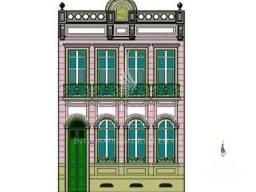 Sobrado antigo com a fachada preservada