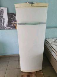 Freezer vertical forst free