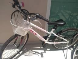 Vendo bicicleta Caloi marchas,feminina 400