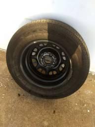 Roda de ferro aro 13 com pneu 175/70