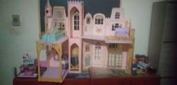 Castelo da Barbie antigo da princesa e a pebleia vem com elevador usado