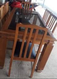 mesa de Madeira Maciça com centro de vidro reforçado fumê *somente a mesa<br>