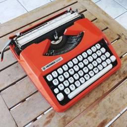 Fabricada em 1969 Maquina de escrever antiga - antiguidade