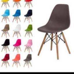 Vendo cadeira retrô Eiffel Eames