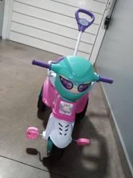 Triciclo magicsl menina
