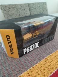 Miniatura Pavimentadora Volvo P6820C