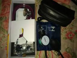 Estetoscópio Premium e aparelho de P.A