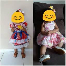 Vestidos de menina, festa junina e floral. 30$ cada ou os dois por 50$
