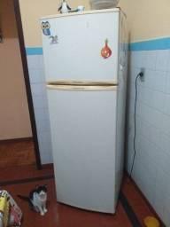Geladeira Duplex Electrolux R$600