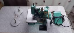 Vendo 2 máquinas de costura completa com a mesinha