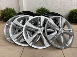 Vendo Kit 4 rodas de ferro + 4 calotas originais Nissan Kicks