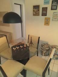 Vendo Mesa de Jantar, Pendente, Quadros decorativos, e 02 Puffs.
